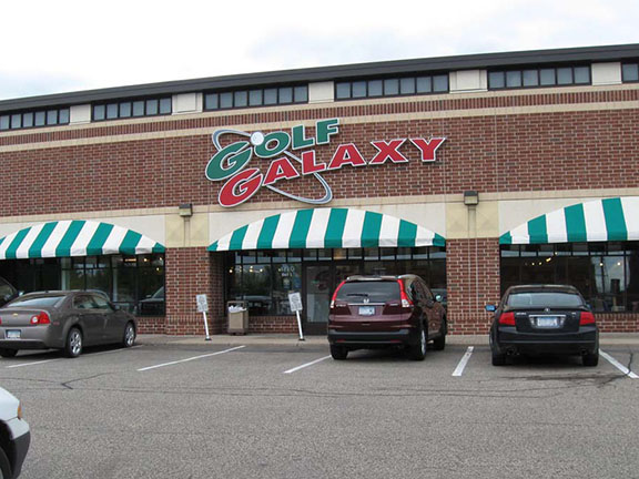 Storefront of Golf Galaxy store in Plymouth, MN