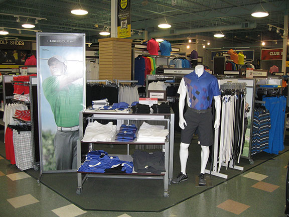 Golf Galaxy storefront. Your local sporting goods supply store in Roseville, MN | 3003