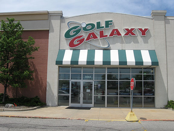Golf Galaxy storefront. Your local sporting goods supply store in Grand Rapids, MI | 3005