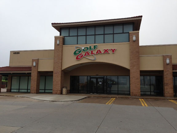 Storefront of Golf Galaxy store in West Des Moines, IA