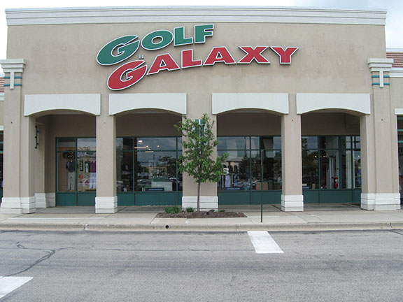 Storefront of Golf Galaxy store in Vernon Hills, IL
