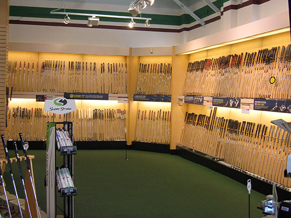 Golf Galaxy storefront. Your local sporting goods supply store in Vernon Hills, IL   3019