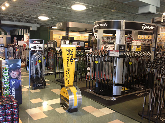 Golf Galaxy storefront. Your local sporting goods supply store in Akron, OH | 3028