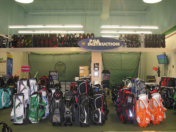 Golf Galaxy storefront. Your local sporting goods supply store in Berwyn, PA | 3033
