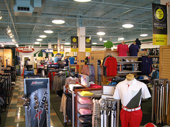 Golf Galaxy storefront. Your local sporting goods supply store in Appleton, WI | 3034