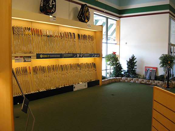 Golf Galaxy storefront. Your local sporting goods supply store in Amherst, NY | 3043