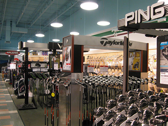 Golf Galaxy storefront. Your local sporting goods supply store in Omaha, NE | 3060