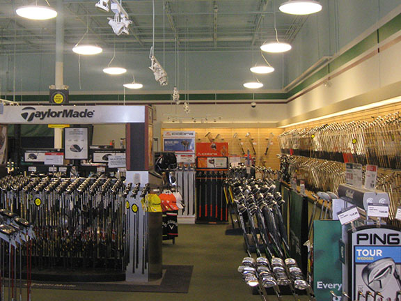 Golf Galaxy storefront. Your local sporting goods supply store in Winston Salem, NC | 3072