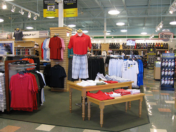 Golf Galaxy storefront. Your local sporting goods supply store in Charlotte, NC | 3075