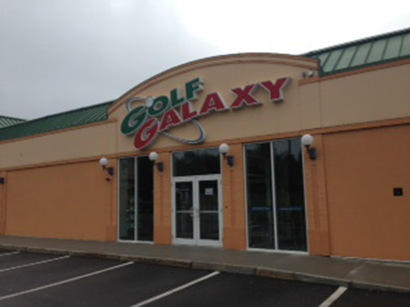 Storefront of Golf Galaxy store in Burlington, MA