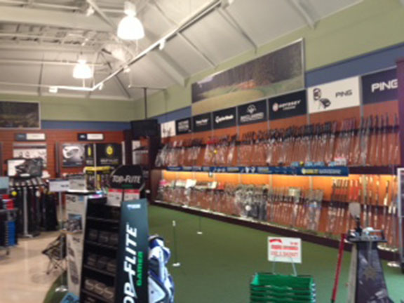 Golf Galaxy storefront. Your local sporting goods supply store in Burlington, MA | 3104