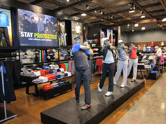 Golf Galaxy storefront. Your local sporting goods supply store in Chesterfield, MO | 3112