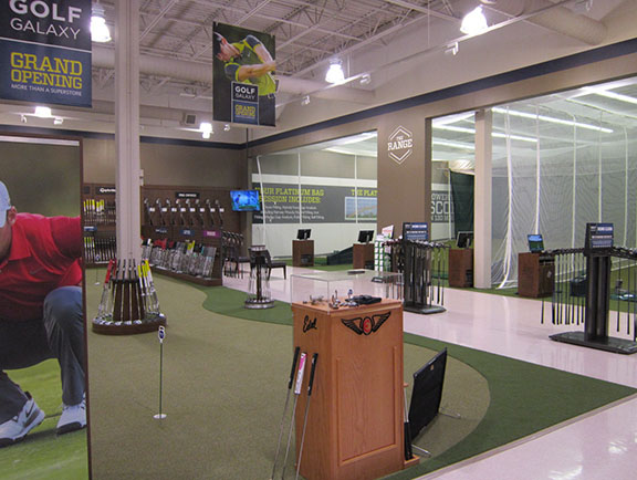 Golf Galaxy storefront. Your local sporting goods supply store in Paramus, NJ | 3116